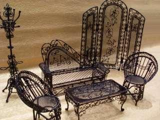 Mini Butterfly Shield / Doll house Furniture / Mini Little Blythe