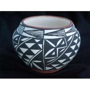 Native American Pueblo Pottery Vase 4x3  Acoma (126) Home