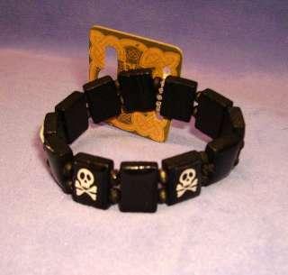 Black Wood Pirate Skull & Cross Bones Elasticated Bracelet MJ076