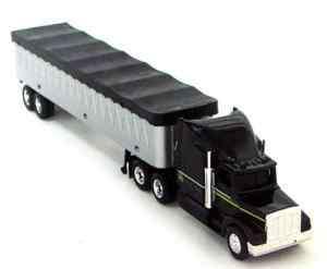ERTL 164 Peterbilt Grain Semi Truck