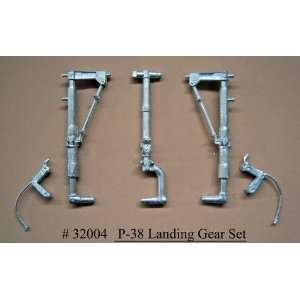 Conversions 1/32 P38 Lightning Main Landing Gear for TSM: Toys & Games