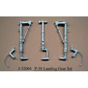 Conversions 1/32 P38 Lightning Main Landing Gear for TSM: Toys & Games