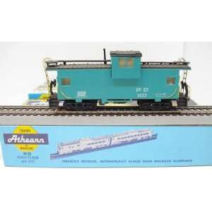 Athearn HO Gauge Penn Central Extended View Caboose #5023