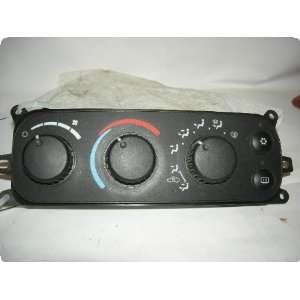 DODGE 2500 PICKUP 03 05 w/o dual zone; heated side mirrors Automotive