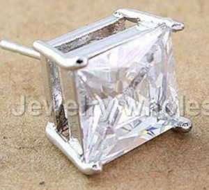STUD SINGLE   SQUARE CUT SIMULATED DIAMOND 18KWGP WHITE GOLD SIZE 0.7