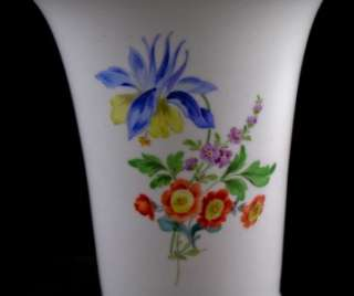 ANTIQUE 19TH C. MEISSEN GERMAN PORCELAIN VASE HAND PAINTED & GILDED