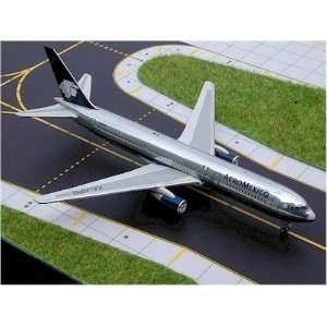 Gemini Jets Aeromexico 767 300 (Polished) Model Airplane
