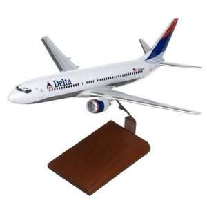Gemini Jets Delta B737 800 Model Airplane: Toys & Games