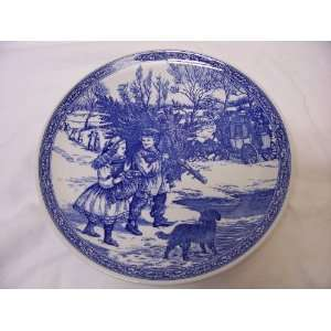 Spode Blue Room Victorian Christmas Plate, No. 1, 1995 Gathering the